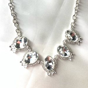 NEW‼️Charming Charlie silver and diamond necklace